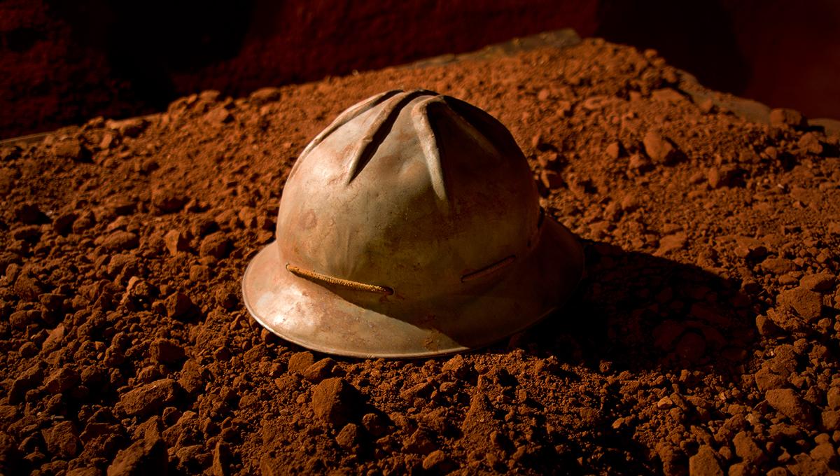 Près de Brignoles dans le Var un casque de mineur dans la mine reconstituée au musée des gueules rouges